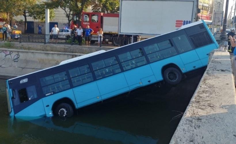 autobuz STB cazut dambovita