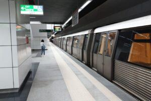 metrou in statie